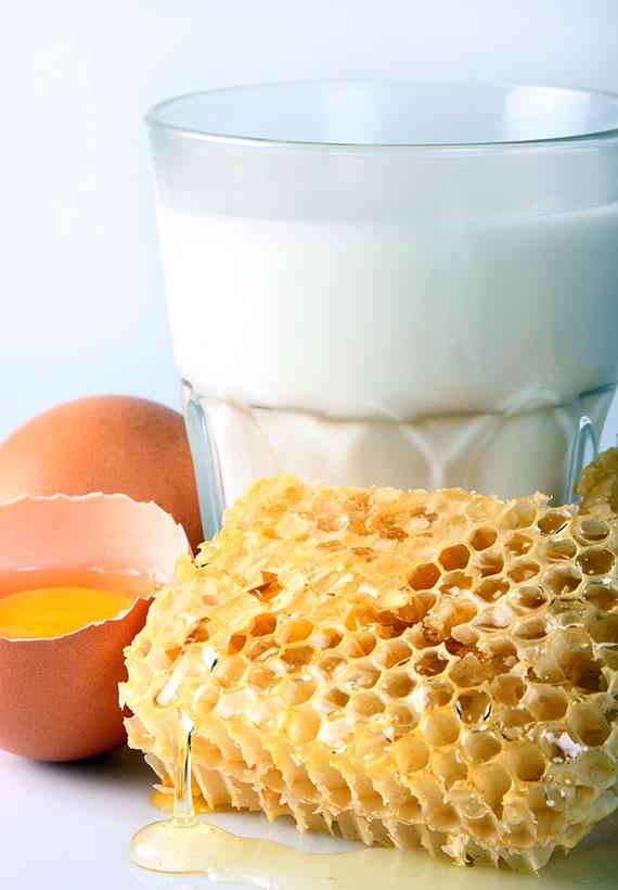latte uova miele